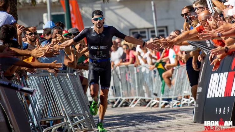 Eborense Filipe Azevedo vence triatlo Ironman 70.3 de Xangai
